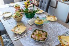 Παραδοσιακά ανατολικο-ευρωπαϊκά γεύματα επ' ευκαιρία Πάσχας στοκ φωτογραφία με δικαίωμα ελεύθερης χρήσης