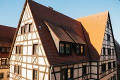Παραδοσιακά γερμανικά σπίτια σε Rothenburg ob der Tauber στη Γερμανία Ευρωπαϊκή πόλη αρχιτεκτονική Στοκ Φωτογραφίες