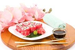 Παραδοσιακά ιαπωνικά σούσια τροφίμων. Στοκ Εικόνες