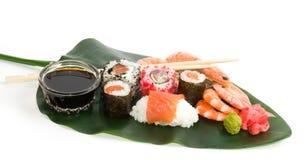 Παραδοσιακά ιαπωνικά σούσια τροφίμων. Στοκ Εικόνα