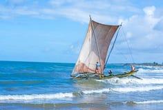 Παραδοσιακά καταμαράν αλιείας Lankan Sri Στοκ Εικόνα
