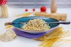 Παραδοσιακά μακαρόνια με τη σάλτσα τυριών Στοκ Εικόνα
