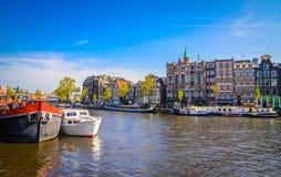 Παραδοσιακά παλαιά κτήρια στο Άμστερνταμ, Netherland Στοκ εικόνες με δικαίωμα ελεύθερης χρήσης