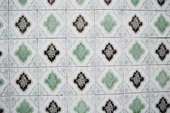 Παραδοσιακά περίκομψα πορτογαλικά διακοσμητικά κεραμίδια στοκ εικόνες
