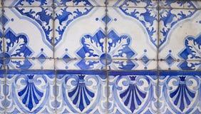 Παραδοσιακά περίκομψα πορτογαλικά διακοσμητικά κεραμίδια στοκ εικόνα