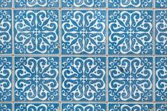 Παραδοσιακά πορτογαλικά κεραμίδια azulejo στο κτήριο στο Πόρτο, Π Στοκ Εικόνες