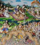 Παραδοσιακά ταϊλανδικά γλυπτά ύφους και ζωγραφική στην εκκλησία κάτω από τη διακόσμηση του ναού Wat Pariwat Στοκ εικόνες με δικαίωμα ελεύθερης χρήσης