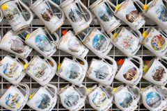 Παραδοσιακά φλυτζάνια στην πόλη Κάρλοβυ Βάρυ, δυτική Βοημία, τσεχικό ρ SPA στοκ φωτογραφίες