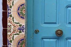 Παραδοσιακές πόρτες σχεδίου σε Chefchaouen Στοκ φωτογραφία με δικαίωμα ελεύθερης χρήσης