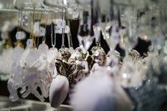 Παραδοσιακή αγορά Χριστουγέννων με τα χειροποίητα αναμνηστικά, Στρασβούργο στοκ εικόνες