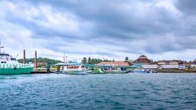 Παραδοσιακή βάρκα banca για να φτάσει στο νησί Boracay σε Caticlan jett Στοκ φωτογραφίες με δικαίωμα ελεύθερης χρήσης