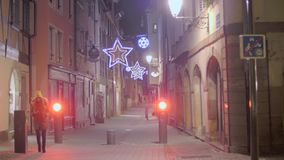 Παραδοσιακή διακόσμηση οδών Χριστουγέννων απόθεμα βίντεο