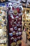 Παραδοσιακή ενετική μάσκα στο κατάστημα στην οδό, Βερόνα Ιταλία Στοκ Φωτογραφίες