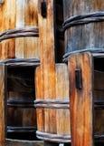 Παραδοσιακοί ξύλινοι ιαπωνικοί κάδοι, κινηματογράφηση σε πρώτο πλάνο Στοκ εικόνα με δικαίωμα ελεύθερης χρήσης