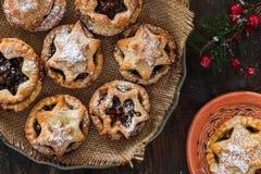 Παραδοσιακός σπιτικός κομματιάζει τις πίτες Στοκ Φωτογραφία