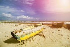 Παραδοσιακό αλιευτικό σκάφος, ξύλινη βάρκα, ξύλινο κανό στοκ φωτογραφία με δικαίωμα ελεύθερης χρήσης