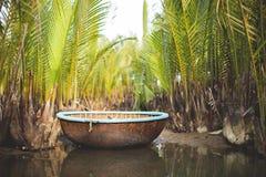 Παραδοσιακό αλιευτικό σκάφος το Coracle Στοκ εικόνα με δικαίωμα ελεύθερης χρήσης