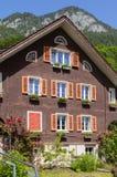 Παραδοσιακό ελβετικό εξοχικό σπίτι Στοκ φωτογραφία με δικαίωμα ελεύθερης χρήσης