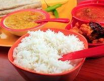Παραδοσιακό ινδικό ρύζι, chapatti & κάρρυ DAL Στοκ φωτογραφία με δικαίωμα ελεύθερης χρήσης