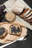 Παραδοσιακό πατέ συκωτιού παπιών, υπόβαθρο ορεκτικών στοκ φωτογραφία με δικαίωμα ελεύθερης χρήσης