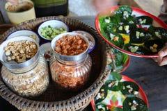 Παραδοσιακό ταϊλανδικό επιδόρπιο με την καρύδα Στοκ Φωτογραφίες