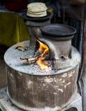 Παραδοσιακό Sri Lankan δύο woodburning σόμπα δοχείων Στοκ φωτογραφία με δικαίωμα ελεύθερης χρήσης