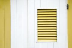 παραθυρόφυλλο κίτρινο Στοκ Φωτογραφίες