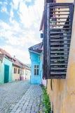 Παραθυρόφυλλα ανοικτά Στοκ φωτογραφίες με δικαίωμα ελεύθερης χρήσης