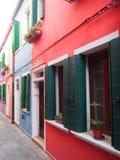 Παραθυρόφυλλα - Burano στοκ φωτογραφία