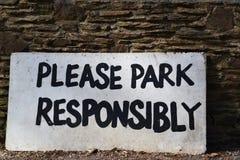 Παρακαλώ σταθμεύστε υπεύθυνα το σημάδι Στοκ Εικόνα