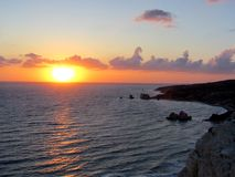 Παραλία αγάπης Βράχος Aphrodite ` s - τόπος γεννήσεως Aphrodite ` s κοντά σε Papho Στοκ εικόνα με δικαίωμα ελεύθερης χρήσης