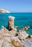 Παραλία βράχου Aphrodite ` s κοντά στο νησί της Κύπρου Στοκ εικόνες με δικαίωμα ελεύθερης χρήσης