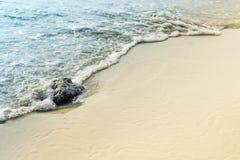 Παραλία και κύμα άμμου Στοκ Εικόνες