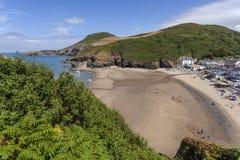 Παραλία και Pendinas Lochdyn Llangrannog στοκ φωτογραφία με δικαίωμα ελεύθερης χρήσης