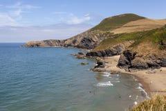 Παραλία και Pendinas Lochdyn Llangrannog στοκ φωτογραφίες