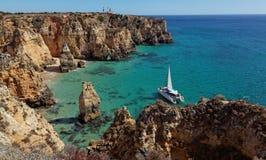 Παραλία κοντά στο Λάγκος - το Αλγκάρβε, Πορτογαλία Στοκ εικόνα με δικαίωμα ελεύθερης χρήσης