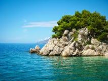 Παραλία παραδείσου στην Κροατία, Brela, Δαλματία στοκ φωτογραφίες