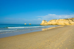 παραλία Πορτογαλία του Αλγκάρβε Στοκ εικόνα με δικαίωμα ελεύθερης χρήσης