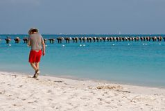 παραλία που απολαμβάνει & Στοκ εικόνες με δικαίωμα ελεύθερης χρήσης