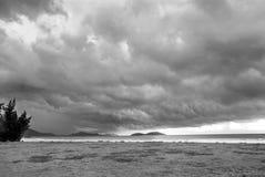 Παραλία πριν από τη θύελλα Στοκ Φωτογραφία