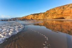 Παραλία σπηλιών - Central Coast NSW Αυστραλία στοκ εικόνα