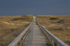 παραλία στον τρόπο στοκ φωτογραφία