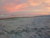 Παραλία στο ηλιοβασίλεμα στο επικεφαλής νησί Hilton, νότια Καρολίνα στοκ εικόνες