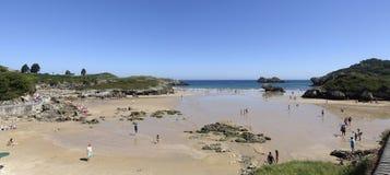 Παραλία του Palombina σε Celorio Llanes, αστουρίες στοκ εικόνα