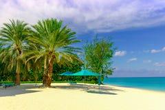Παραλία-τυρκουάζ Parasols επτά μιλι'ου στοκ φωτογραφίες με δικαίωμα ελεύθερης χρήσης