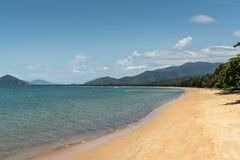 Παραλία όρμων φοινικών, τύμβοι Αυστραλία στοκ εικόνα