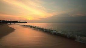 Παραλία Balangan στο ηλιοβασίλεμα Μπαλί Ινδονησία απόθεμα βίντεο