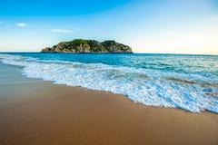 Παραλία Cacaluta σε Huatulko, Oaxaca, Μεξικό στοκ εικόνες