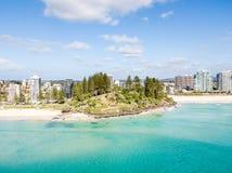 Παραλία Coolangatta μια σαφή ημέρα που κοιτάζει προς την παραλία Kirra στο Gold Coast Στοκ Φωτογραφίες