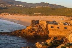 Παραλία Guinho, μια όμορφη παραλία στο Κασκάις στοκ εικόνα
